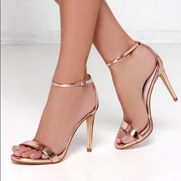 8cdb22f9cf3 Steve Madden Stecy Rose Gold Ankle Strap Heels. M 5bc3e959c9bf50fafce93e78